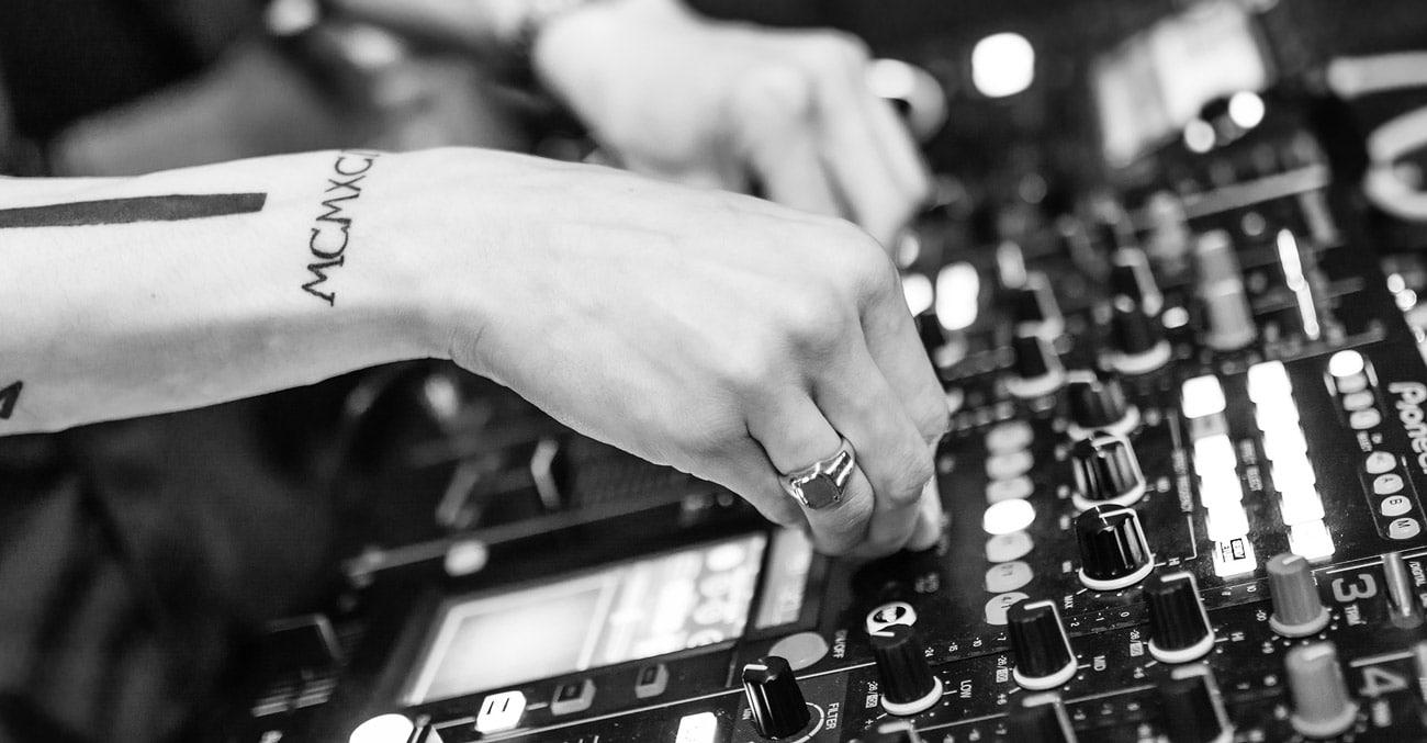 DJ y música